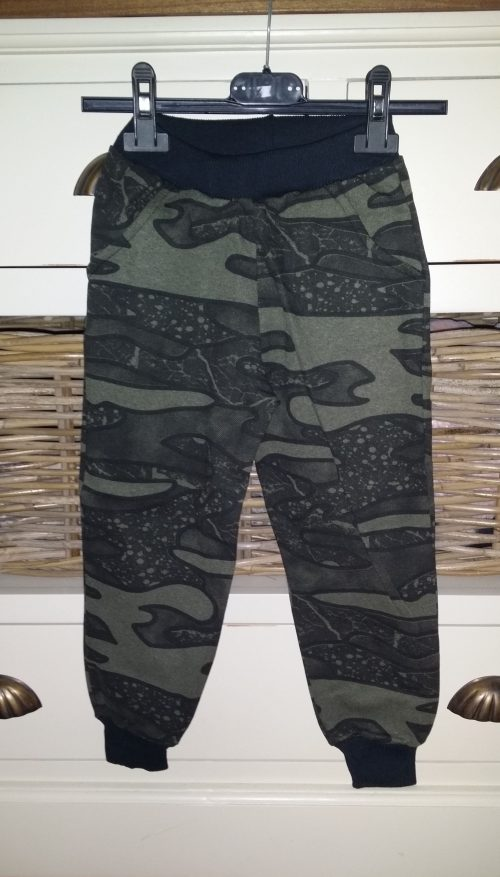army jogger groen