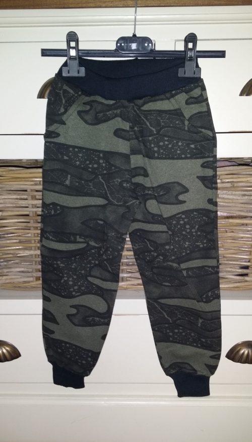 army jogger groen